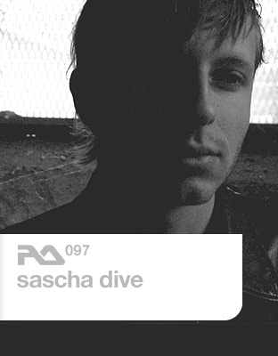 Ra097-sascha-dive.jpg