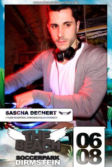 2011-08-06 - Sascha Dechert @ House Invention - The Beach -2.jpg