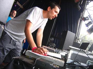 2006-07-29 - Alex Under @ Rockit Open Air.jpg
