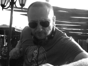 2011-08-03 - Amir Groove @ Sunset Sessions, Kumharas, Ibiza.jpg