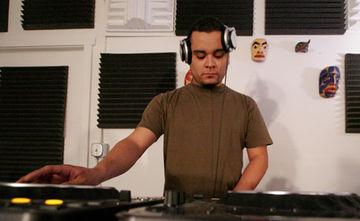 2005 - Santiago Salazar @ Expansions Radio KXEP, Seattle.jpg