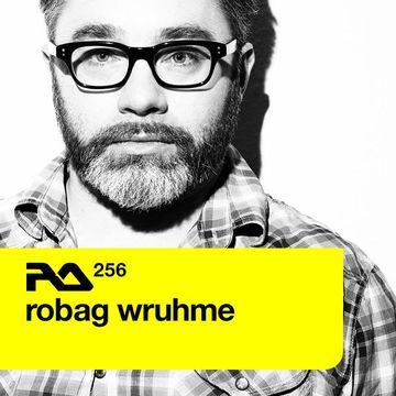 2011-04-25 - Robag Wruhme - Resident Advisor (RA.256).jpg