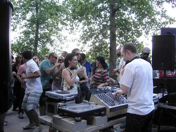 2009-05-31 - Mr. Scruff @ Sunday Best, The Yard, NYC -2.jpg