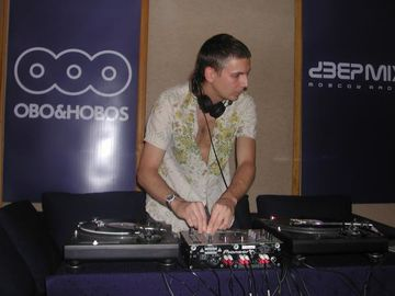 2005-04-01 - Alex Meshkov - Obo & Hobos Studio.jpg
