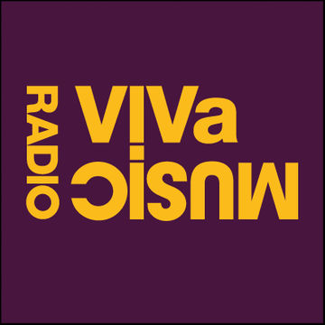 2011-05-06 - Darius Syrossian, Julien Chaptal (Studio 80) - VIVa Music Radio 011.jpg