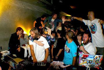 2008-11-02 - DJ Falcon @ 2 Years Banana Split Sundaes, LAX, Hollywood - BTD.jpg