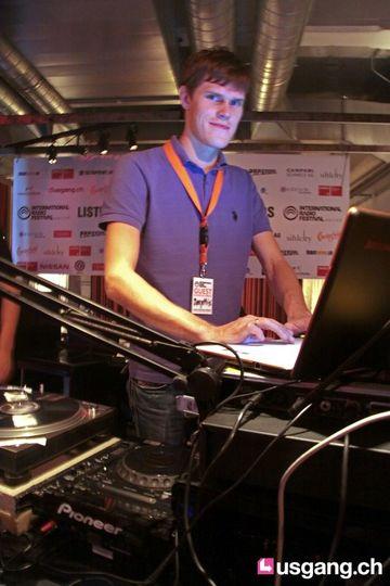 2010-09-09 - Izhevski @ International Radio Festival, Papiersaal, Zurich.jpg