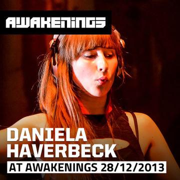 2013-12-28 - Daniela Haverbeck @ Awakenings - Female Hardtechno Special, Gashouder.jpg
