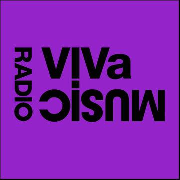 2010-10-22 - Darius Syrossian, Hector Couto - VIVa Music Radio 005.jpg