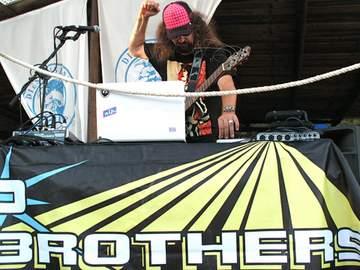 2011-08-26 - P-Brothers @ Closing, Diesel Island, Ibiza.jpg