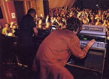 1997-01-24 - Daft Punk (Live PA) @ The Arches, Glasgow.jpg