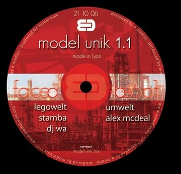 2006-10-21 - Legowelt - Live DJ Set @ Model Unik, Lyon, France - A.jpg