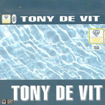 Sex (1252) - Tony De Vit fr.jpg